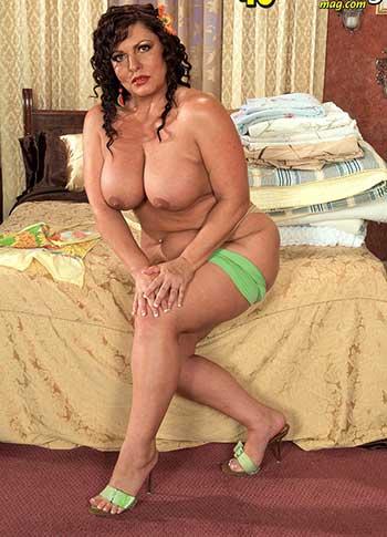 Sexy bbw Carmelita Lopez
