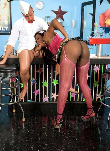 black pornstar Kiki Carter