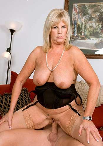 chubby blonde milf Anneke Nordstrum